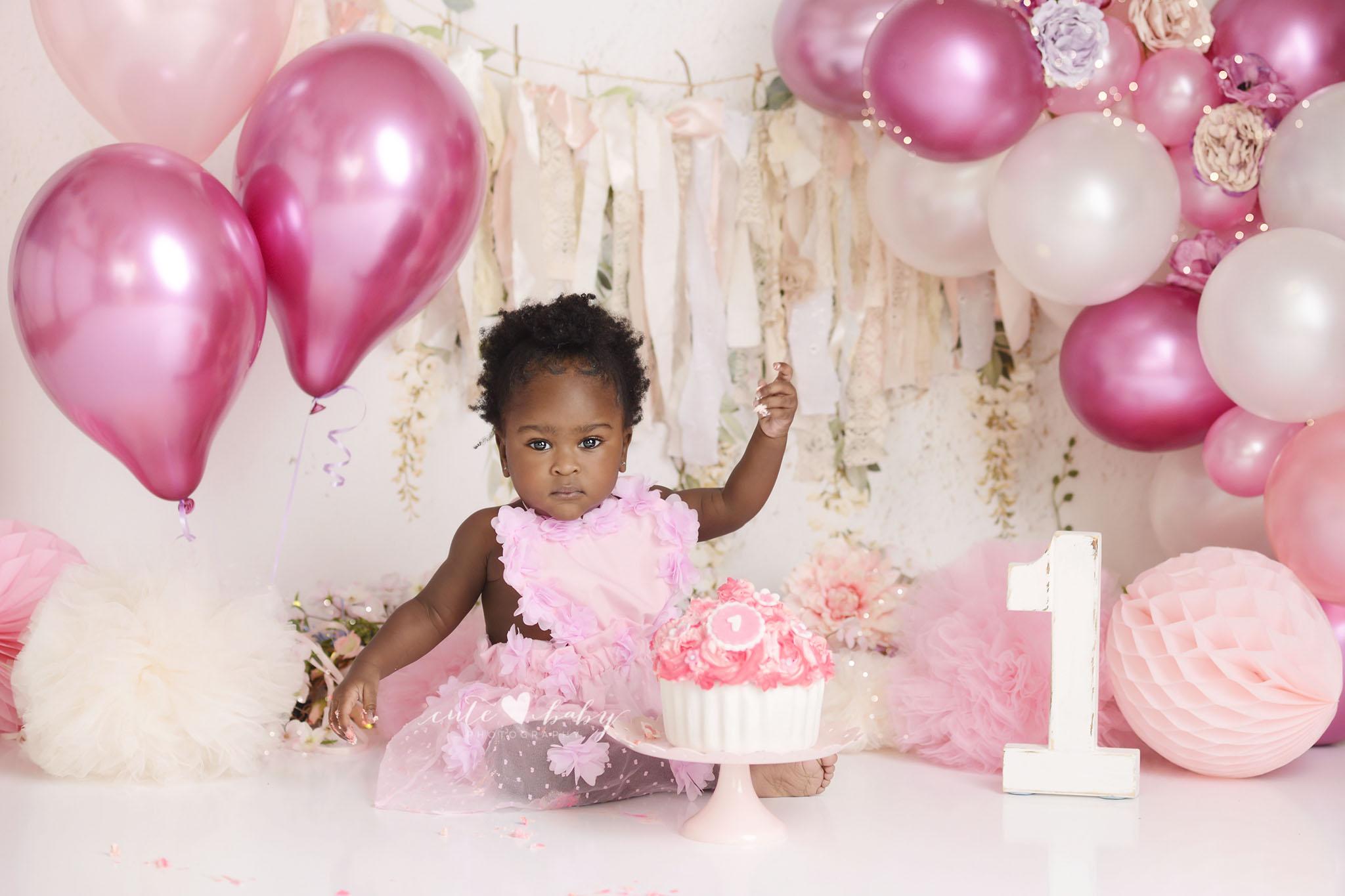cake smash Manchester, Baby Photography Manchester, 1st Birthday photography, Cake Smash Pink